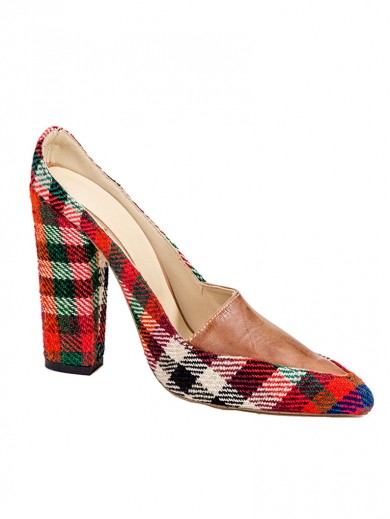 Hand-weaved fabric pointed shoes